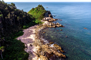 Praia e Trilha da Galheta